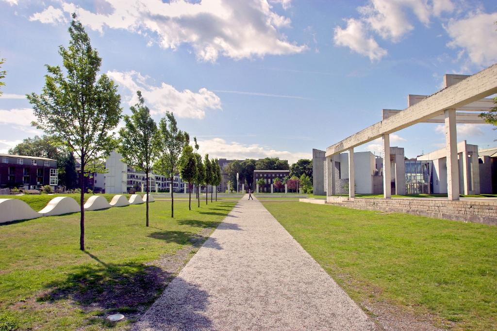 Garten  EGHN – Innenhafen Duisburg – Garten der Erinnerung (Garden of ...