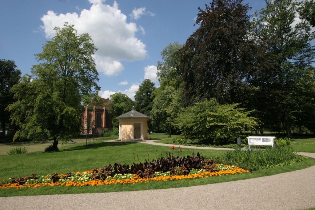 schlosspark-ludwigslust-credit-ulrich-kache